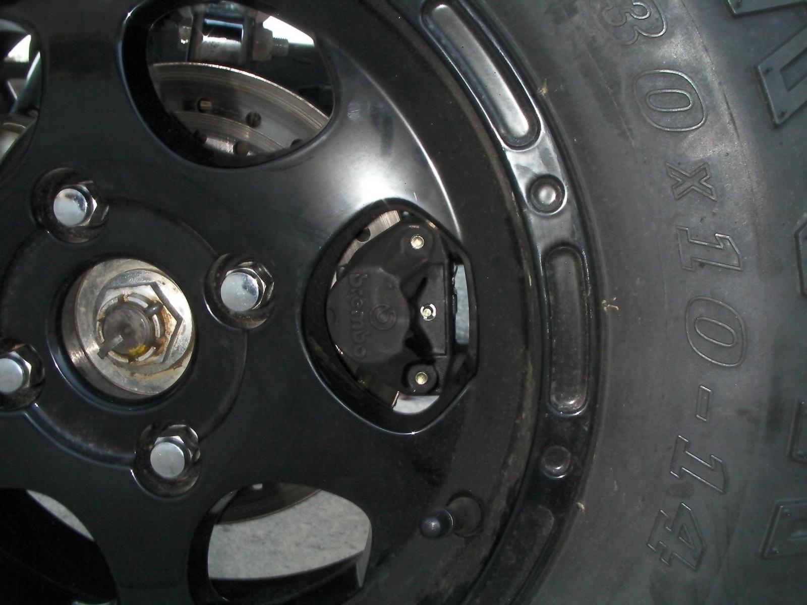Front Brembo brakes 2